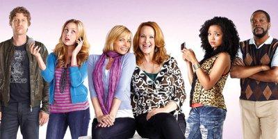 I Hate My Teenage Daughter tv sitcom American Comedy Series